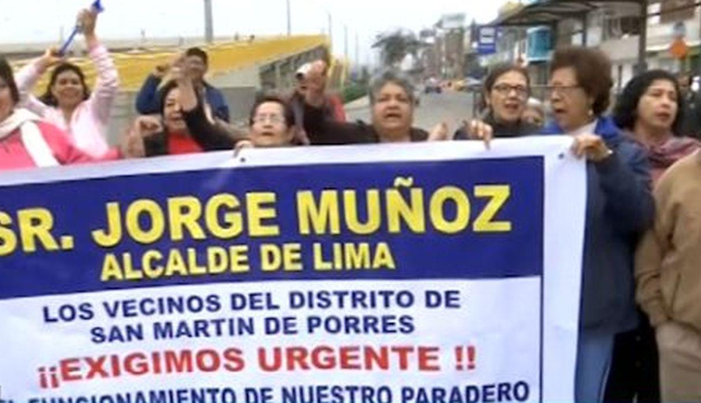 SMP: vecinos protestan para exigir construcción de paradero en Panamericana Norte
