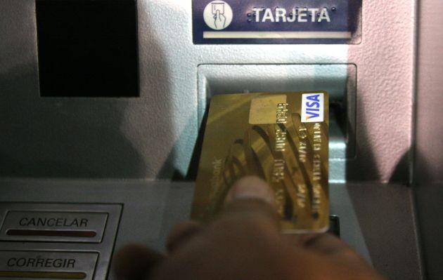 ¿Qué hacer si el cajero automático arroja billetes falsos o una cantidad menor a la solicitada?