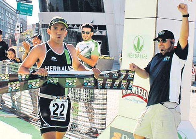 El peruano Rodrigo Medrano ganó la Triatlón de Los Ángeles