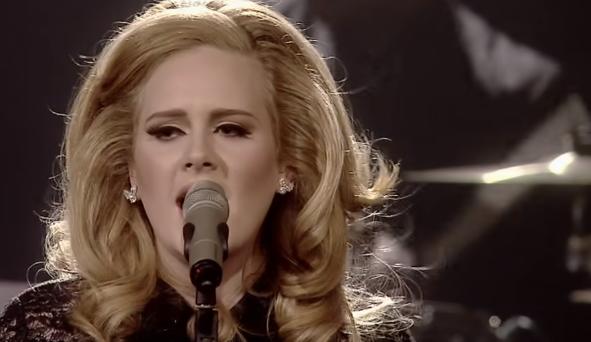 Adele se divorcia de su esposo Simon Konecki