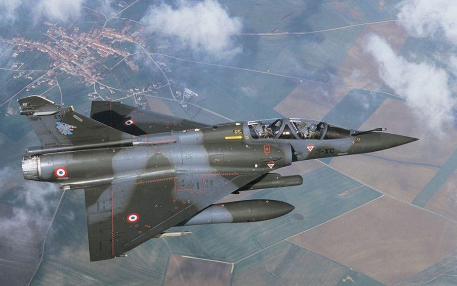 Tres aeronaves Mirage 2000 de la FAP acompañaron avión del papa Francisco