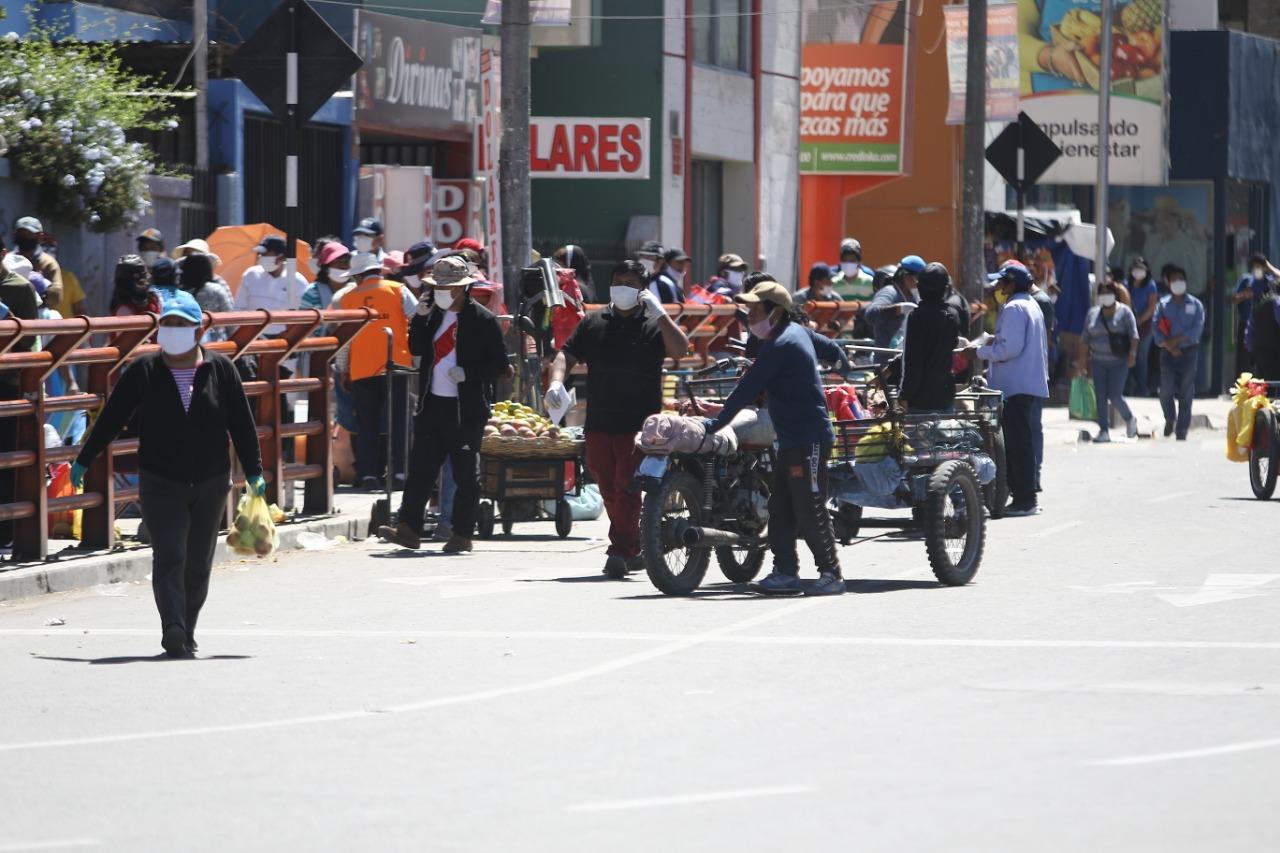 Coronavirus en Perú: Control de mercados en Arequipa fracasa por ...