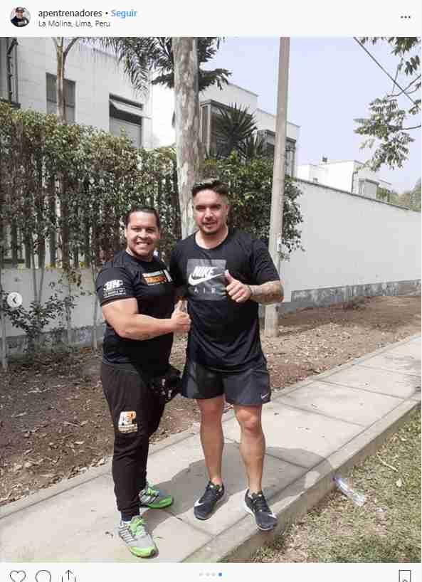 Juan Manuel Vargas junto a su entrenador personal. (Foto: Instagram APentrenadores)