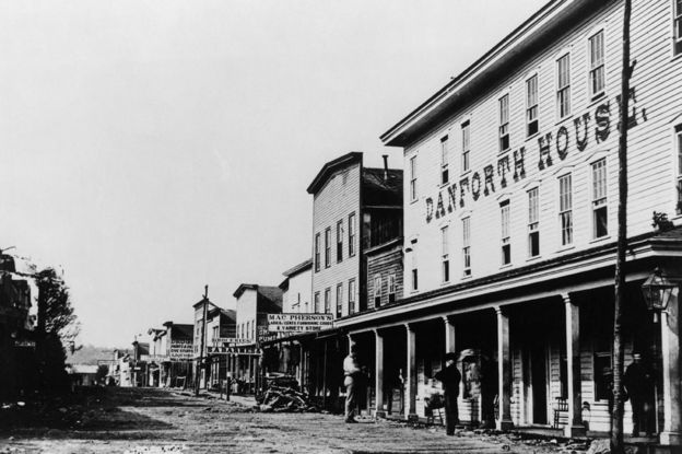 Pithole City en el apogeo de su breve auge petrolero, en 1865. (Foto: Getty Images)