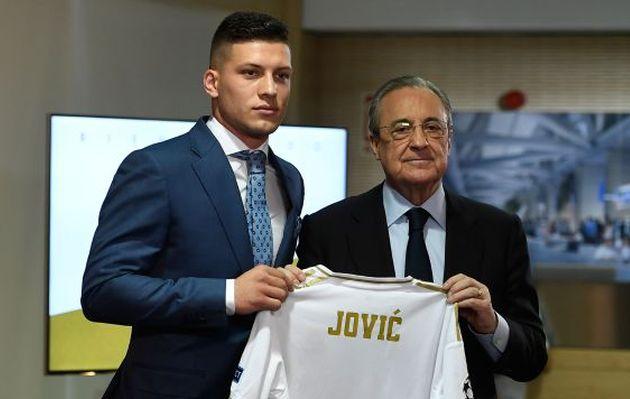 Real Madrid presentó a Luka Jovic en el Santiago Bernabéu
