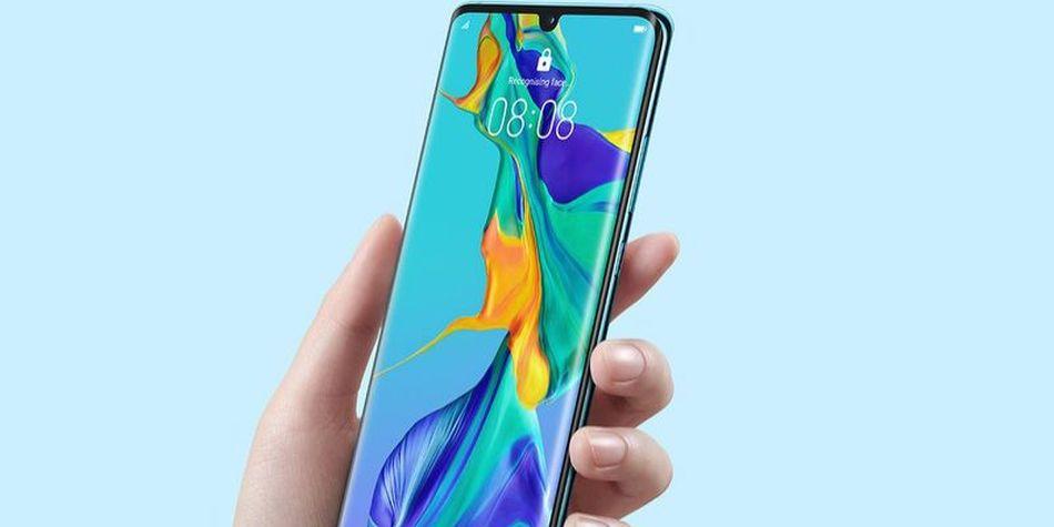Huawei P30 Pro vs Samsung Galaxy S10+: precios, características y todo sobre los smartphones de alta gama
