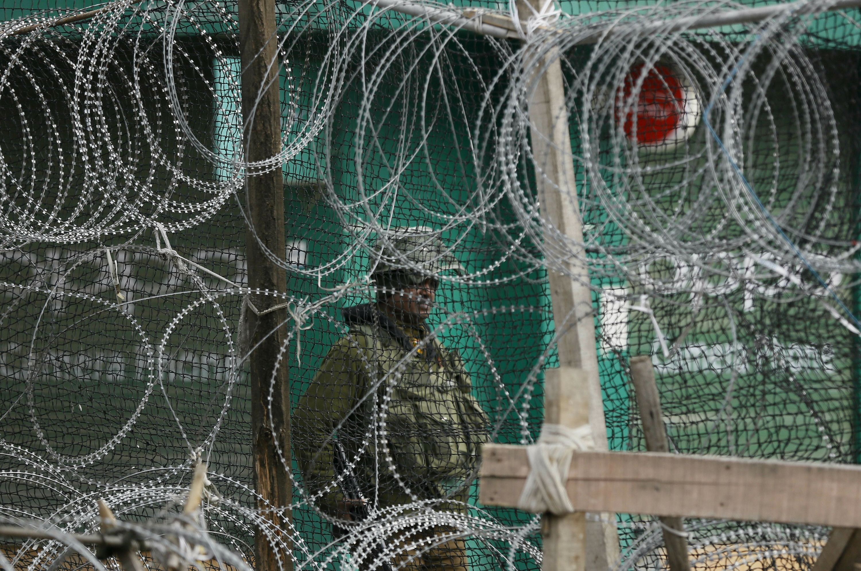 Pakistán dice que un submarino indio trató de invadir sus aguas territoriales