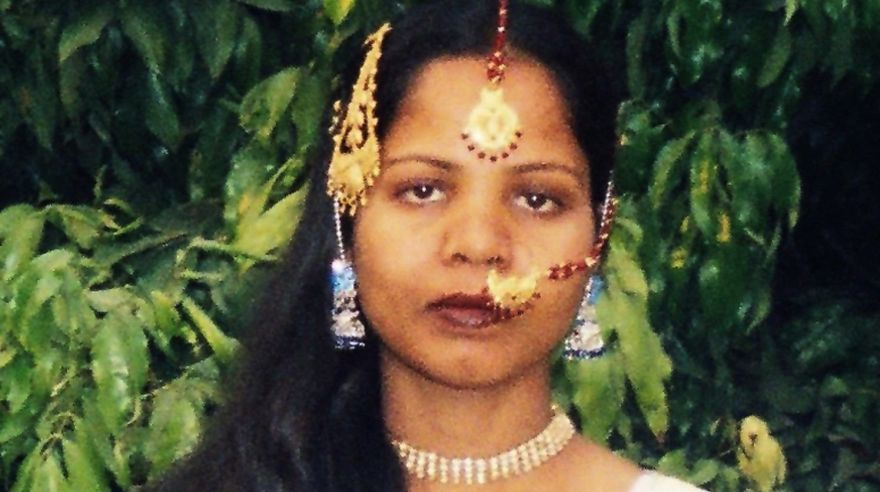 Asia Bibi, la cristiana absuelta de una pena de muerte por blasfemia, partió de Pakistán