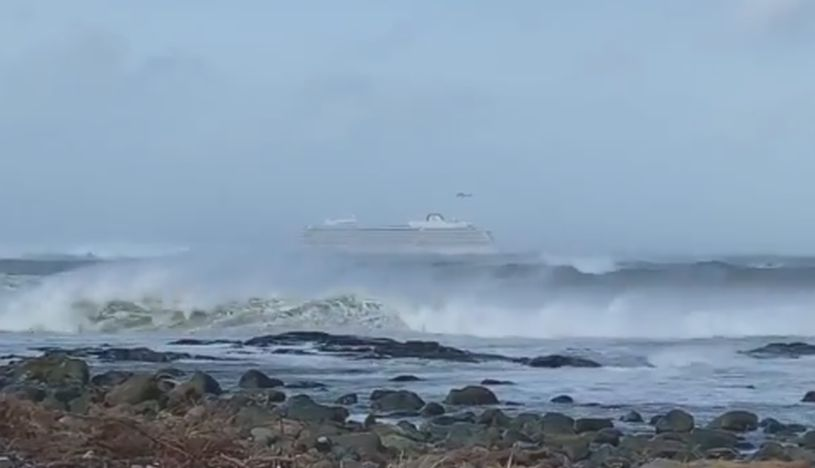 Noruega: ordenan evacuar a 1,300 personas de un crucero por falla en motor