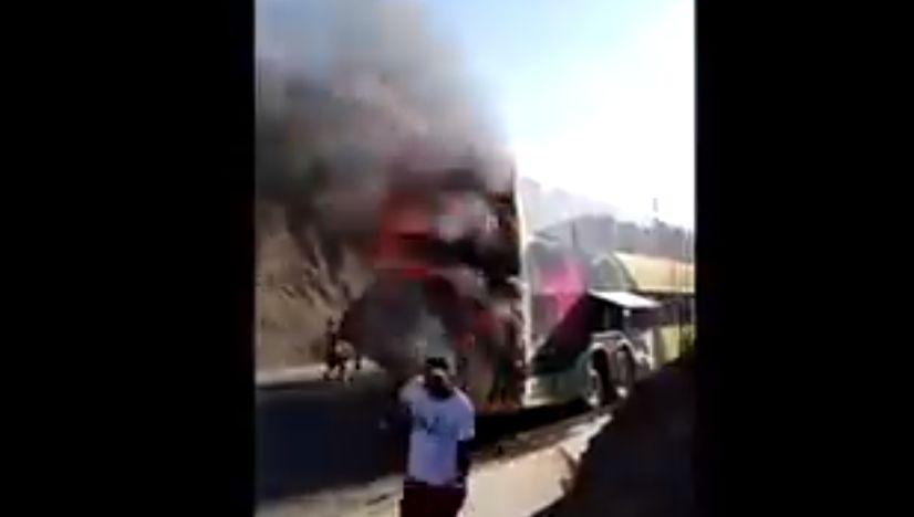 Más de 30 pasajeros se salvan de morir tras incendio de bus interprovincial en Piura [VIDEO] - Diario Perú21