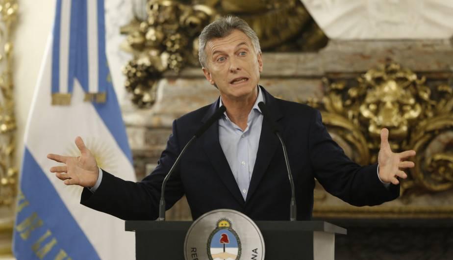 Argentina: Macri promete reducir impuestos al trabajo si gana elecciones