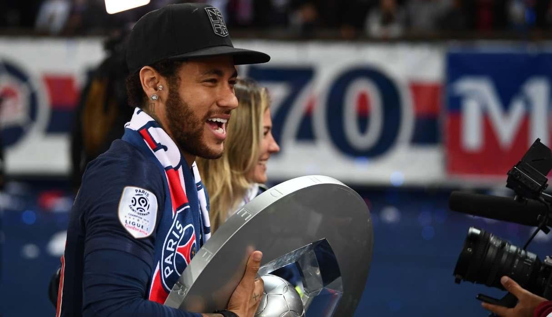 Neymar se quedará en el PSG la próxima temporada, anunció medio francés