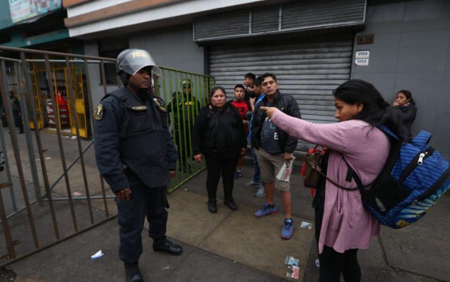 Así se realizó la operación de limpieza y desalojo de ambulantes en la avenida Aviación | FOTOS