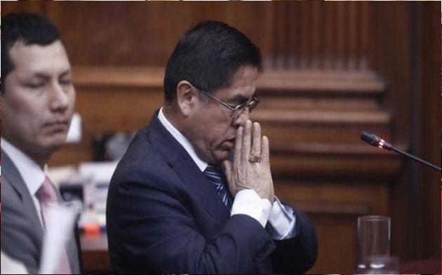César Hinostroza: César Bustamante visitó al ex juez cuando estuvo detenido