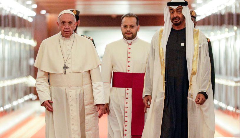 Papa Francisco llegó a Emiratos con un mensaje de paz para una región conflictiva | FOTOS