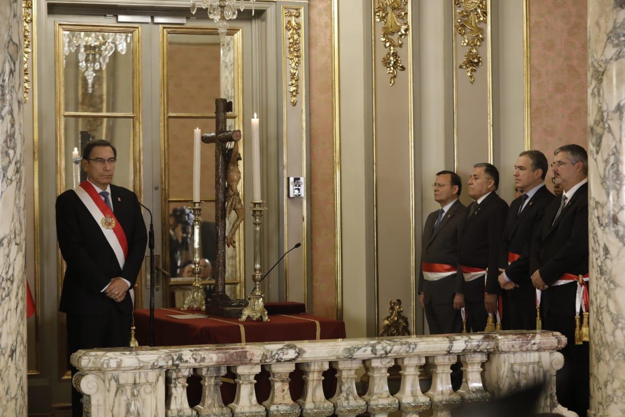 Martín Vizcarra nombró a ministros en reemplazo de José Huerta y Ulla Holmquist | FOTOS