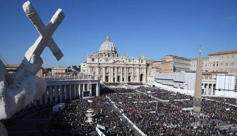 Vaticano recibe por primera vez a una delegación de la comunidad LGTB