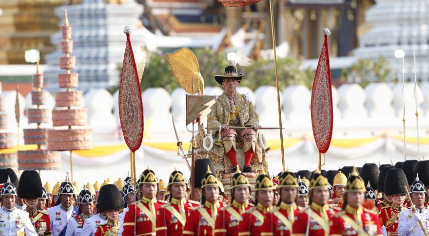 Tailandia: El desfile en honor al rey Maha Vajiralongkorn que desafió temperaturas de más de 35 ºC [FOTOS]