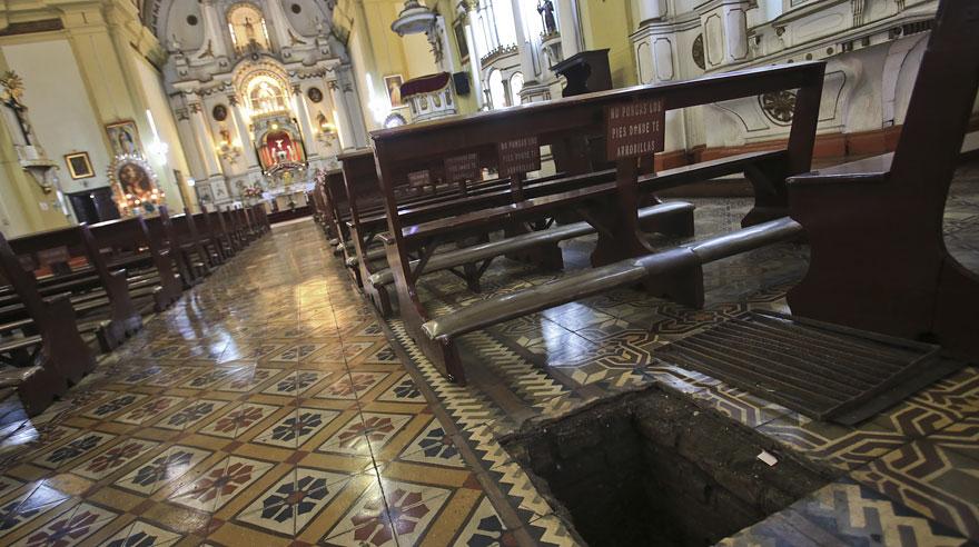 Las criptas de iglesias y sótanos del Centro de Lima [FOTOS]