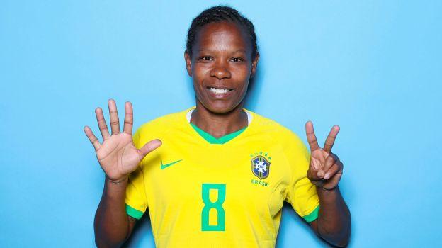 Formiga, la futbolista brasileña que batió récord con presencia en siete Mundiales