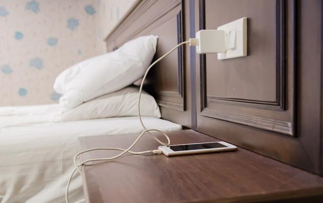 Cargar de tu teléfono durante la noche: mitos sobre la batería