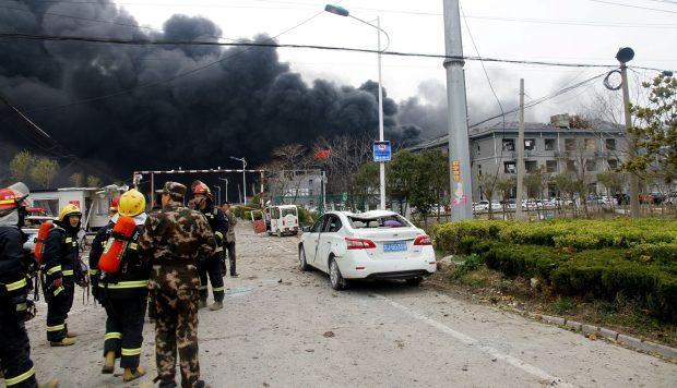 Al menos 44 muertos deja la explosión en planta química en China