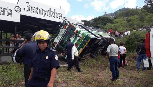 Al menos 20 personas lesionadas al volcarse autobús en el norte de Nicaragua