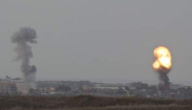 Israel bombardea dos sitios subterráneos de Hamás en Gaza en respuesta a cohete