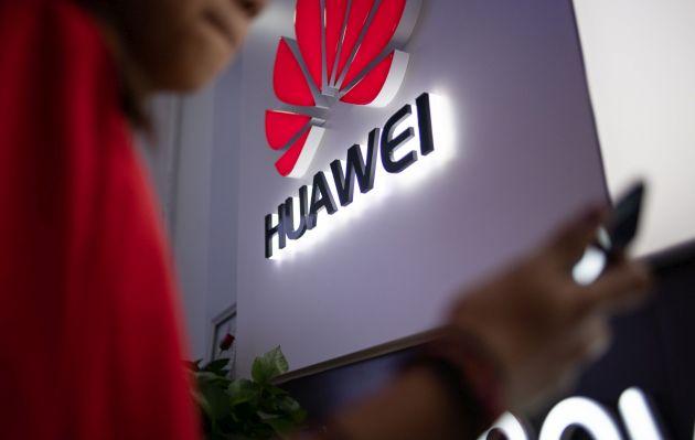 Las ventas de teléfonos Huawei se hunden fuera de China por la presión de EE.UU.