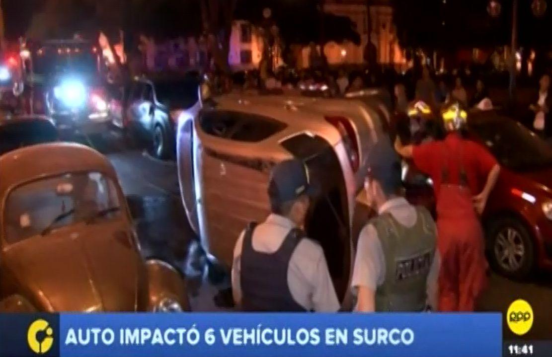 Surco: joven conductor protagonizó choque múltiple esta madrugada