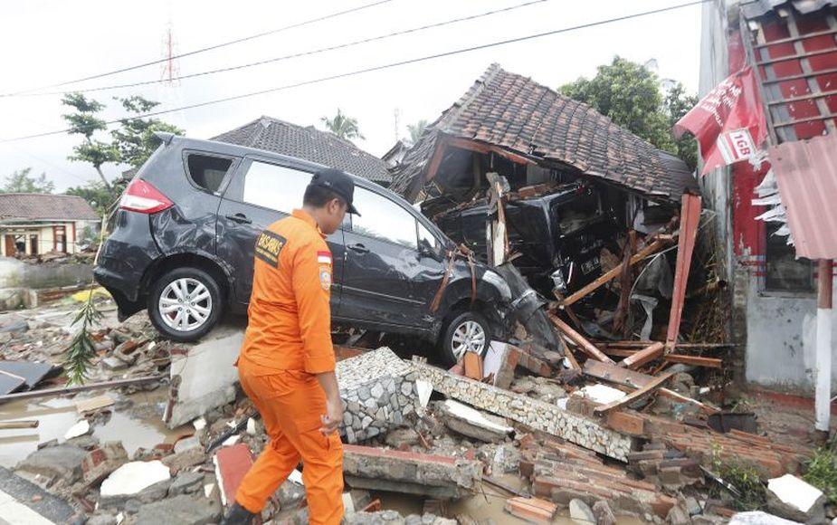 La destrucción que dejó el devastador tsunami que golpeó Indonesia   FOTOS