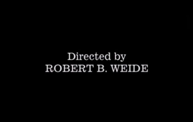 ¿Cuál es el origen de los créditos de 'Robert B. Weide'?