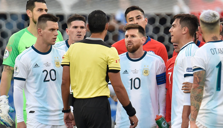 Argentina vs. Chile: filtran informe del árbitro sobre expulsiones de Lionel Messi y Gary Medel | FOTO