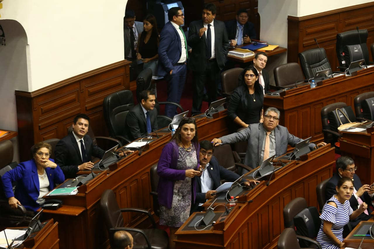 Congreso aprobó creación de una comisión investigadora para textos escolares