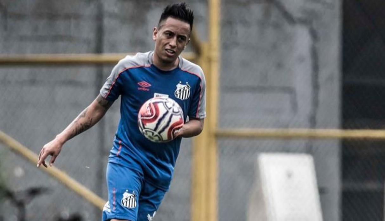 Christian Cueva abandonó concentración de Santos por nacimiento de su hijo prematuro