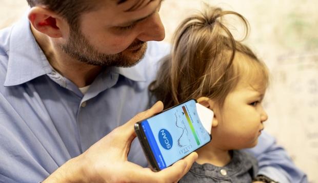 Una app en el móvil detecta las infecciones de oídos en los niños