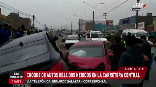 Ate Vitarte: choque de autos dejó dos heridos en la Carretera Central | VIDEO