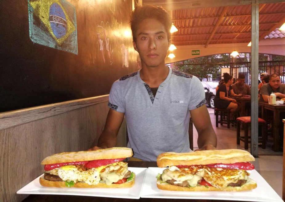 Facebook: restaurante pagará mil soles a quien se coma una hamburguesa de 1,8 kg