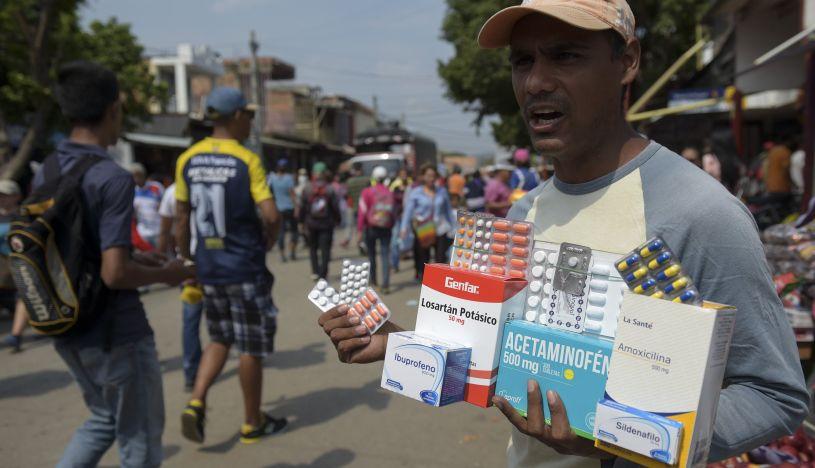 Las peligrosas 'farmacias' callejeras en la frontera entre Venezuela y Colombia