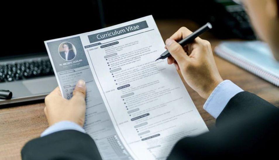 El término CV suele aplicarse en la búsqueda de empleo. (Foto: Shutterstock)