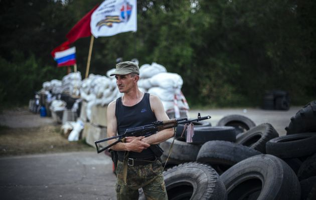 Insurgentes de Donetsk crean su propio Parlamento y redactan Constitución