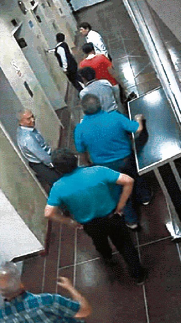 Pedro Chávarry en el piso nueve de la Fiscalía. (GEC)