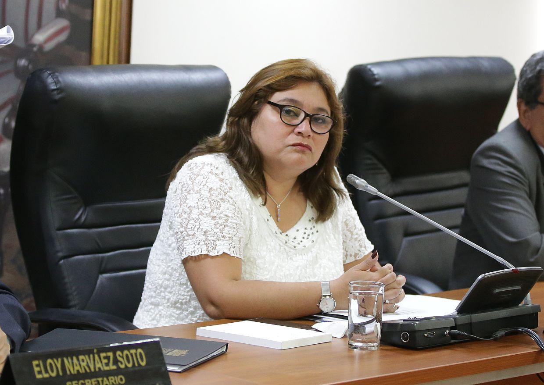 Janet Sánchez considera que debió abrirse indagación a Úrsula Letona por audios