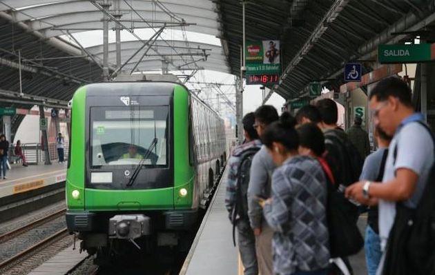 Niño se accidentó en escaleras eléctricas de estación del Metro de Lima