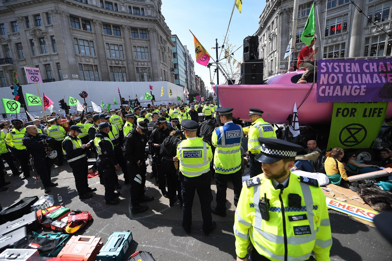 Londres: Más de 715 personas detenidas durante una semana de protesta ecologista
