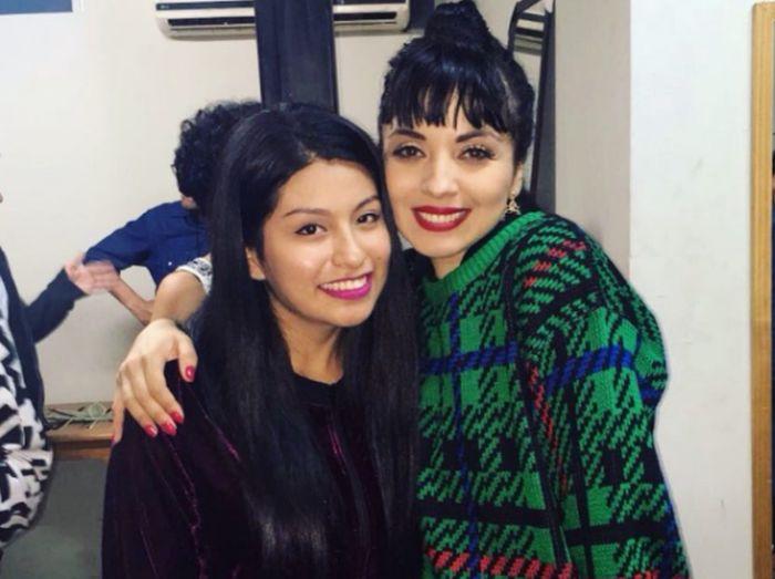 Mon Laferte conoció a Wendy Sulca luego de su show en Perú[VIDEO Y FOTOS]