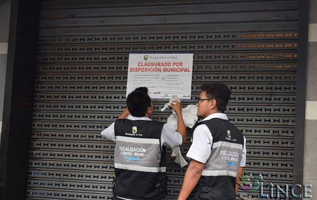 Clausuran pollería de conocida cadena por funcionar en condiciones insalubres | FOTOS