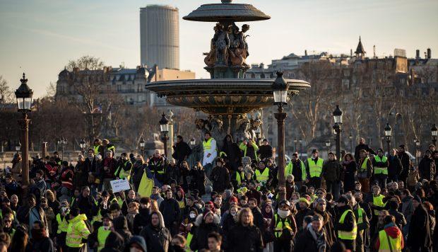 """Los """"chalecos amarillos"""" han atacado a 70 diputados franceses desde el inicio de sus protestas"""