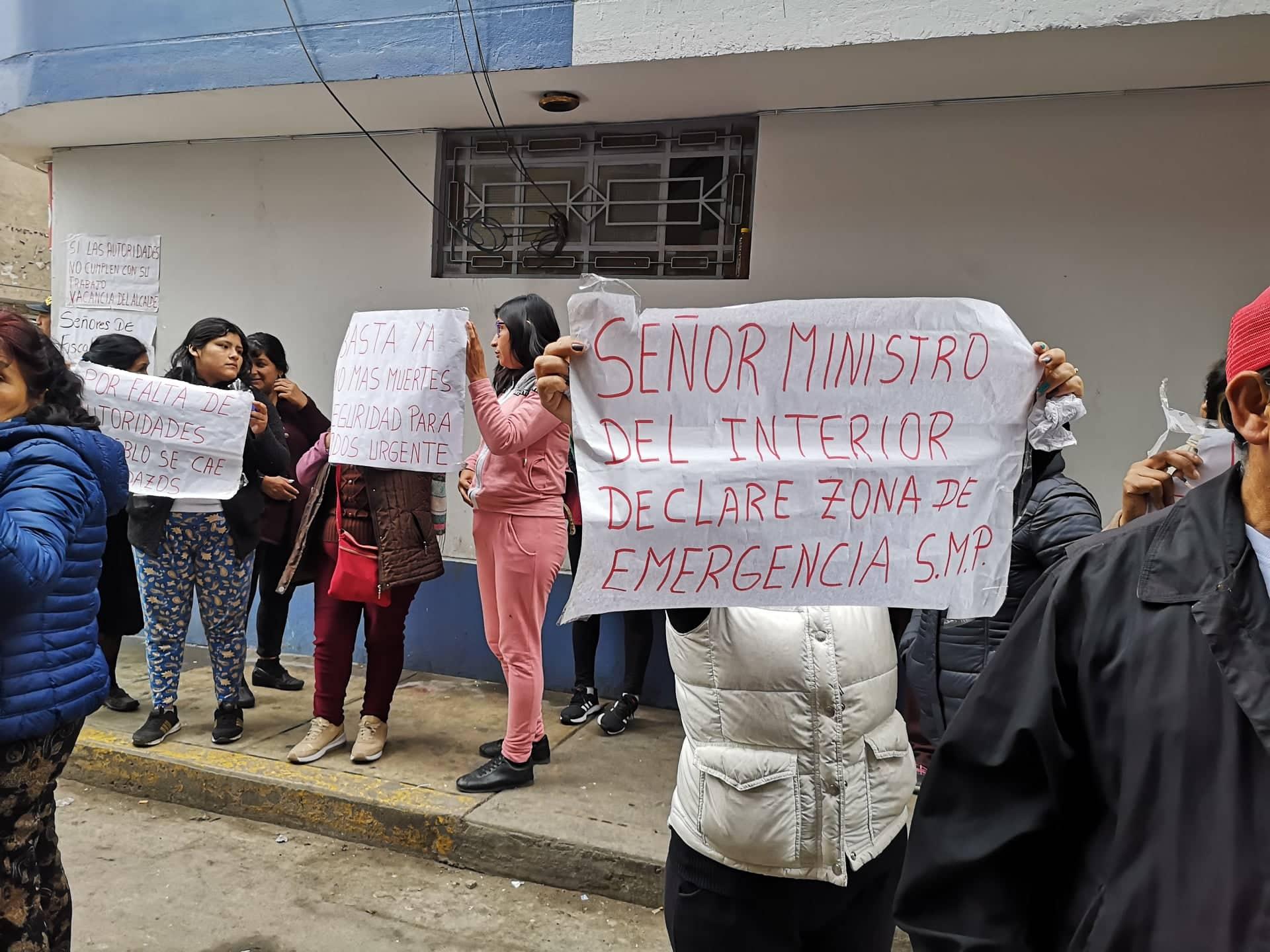 Vecinos de San Martín de Porres piden mayor seguridad ante horrendo crimen. (Foto: Shirley Ávila)