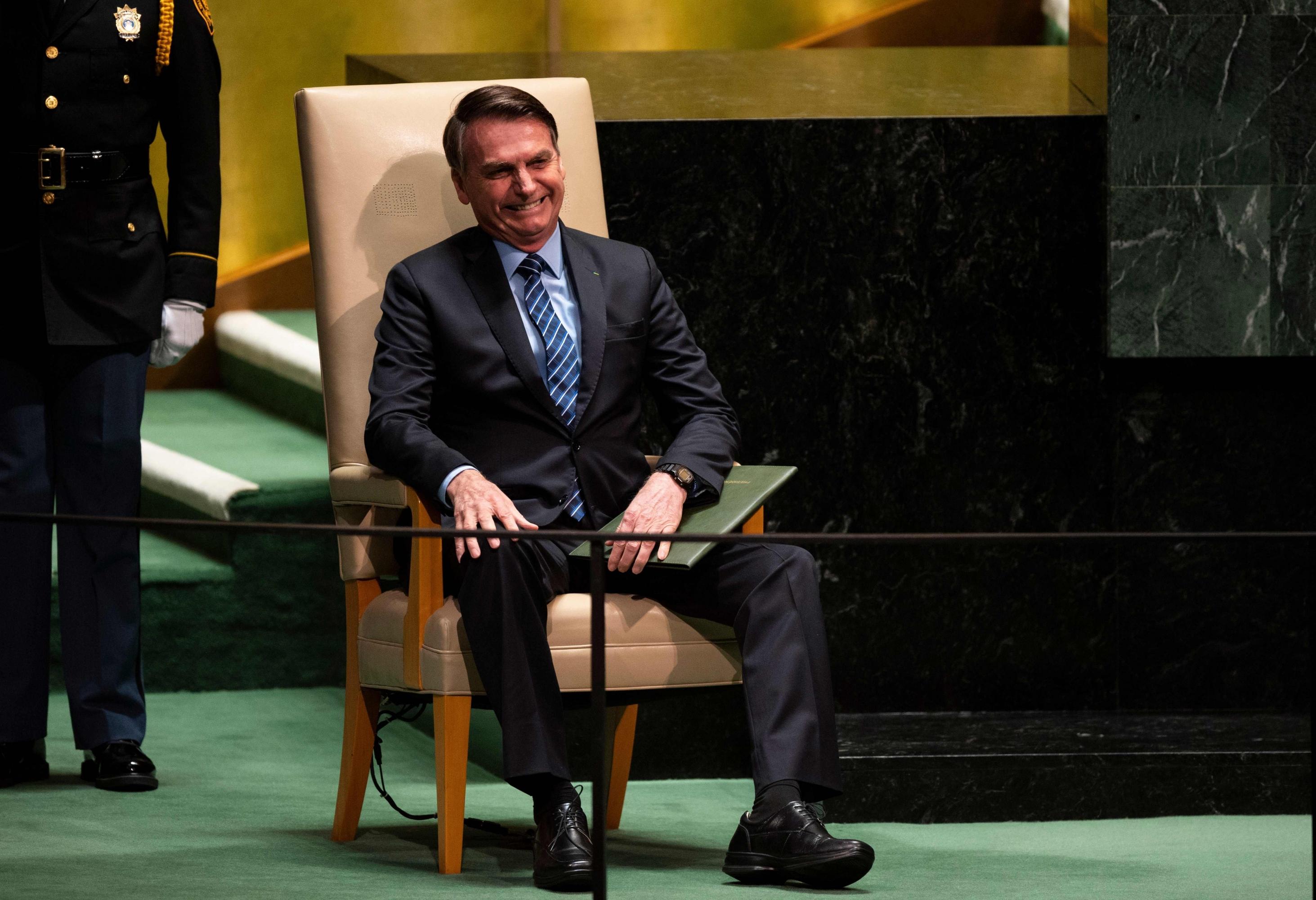 Jair Bolsonaro antes de pronunciar su discurso en la ONU. (AFP).